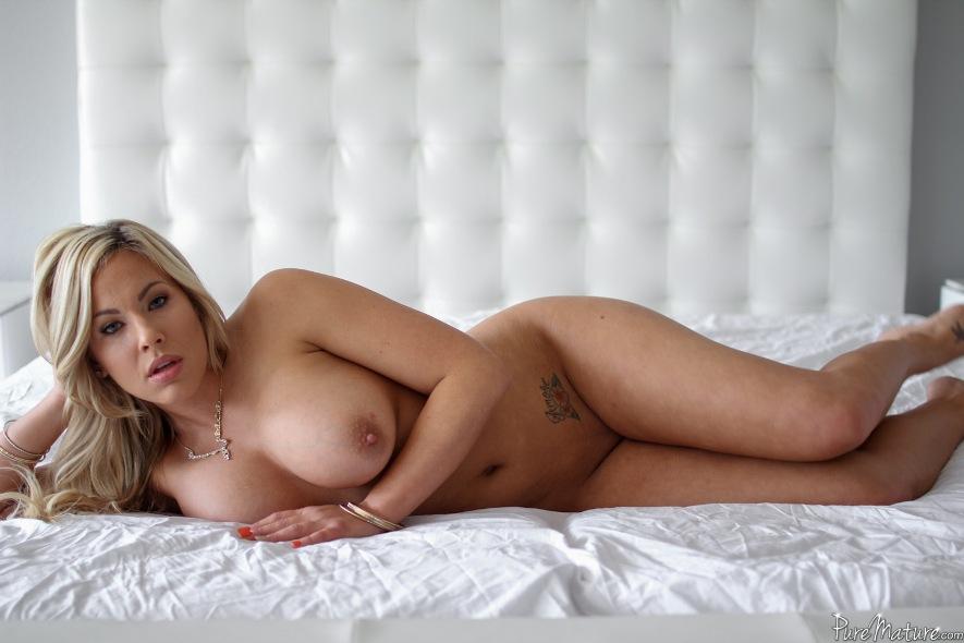 Pure Mature 2015 , porno cu femei mature , blonda , bruneta , muie , pizda , cur , orgasm , pula mare , femei mature , filme porno , hd ,