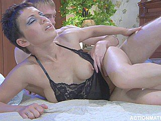 filme xxx cu rusoaice , 2015 , femei mature , muie , pizda cur , hd , felatie , anal , rusoaice , pula mare ,