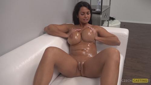 Casting porno cu amatoare cu sani mari futute in pizda . 5