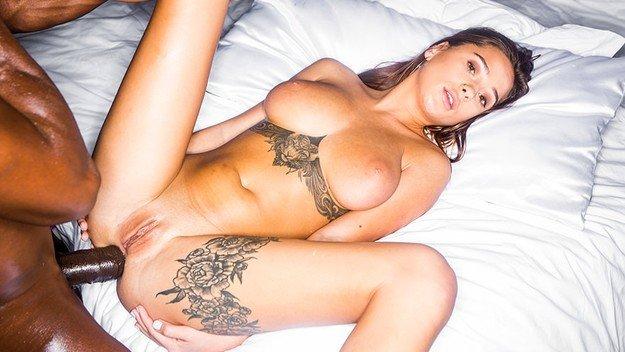 Sani perfecti Liya Silver interasial sex porno 2019 . 3