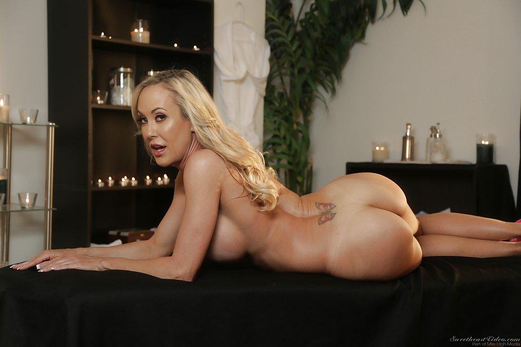 Top 10 cele mai sexy porno staruri blonde in porno acum .