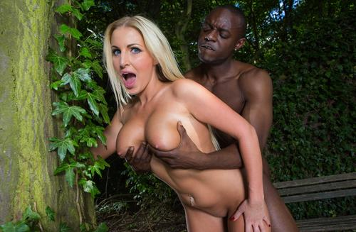 Blonde cu tate mari sex cu negri in masina porno 2019 .
